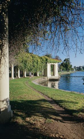 Lake Merritt © Oakland Convention and Visitors Bureau